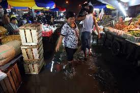 Pasar Minggu yang becek. Source : http://bit.ly/ZH0yv7