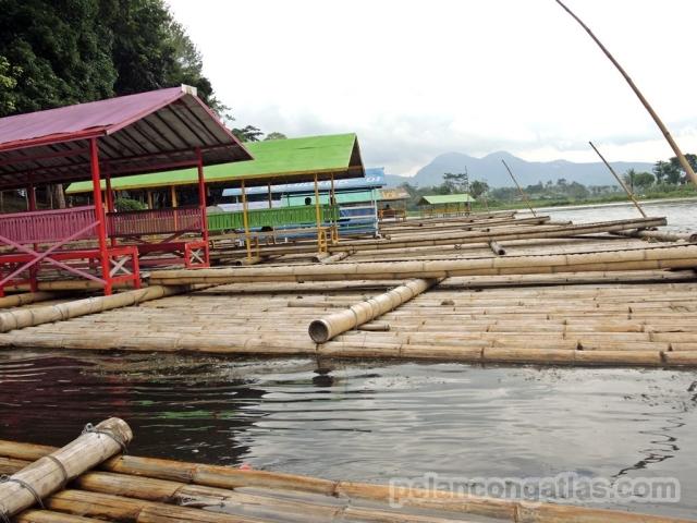 Deretan rakit di Situ Cangkuang.