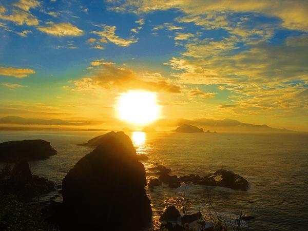 Matahari Pertama di Tanjung Papuma