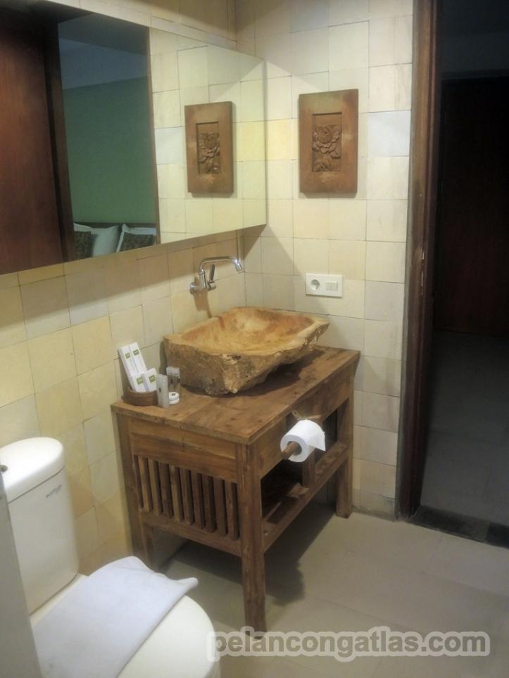 Kamar mandi Rumah Batu Villa & Spa