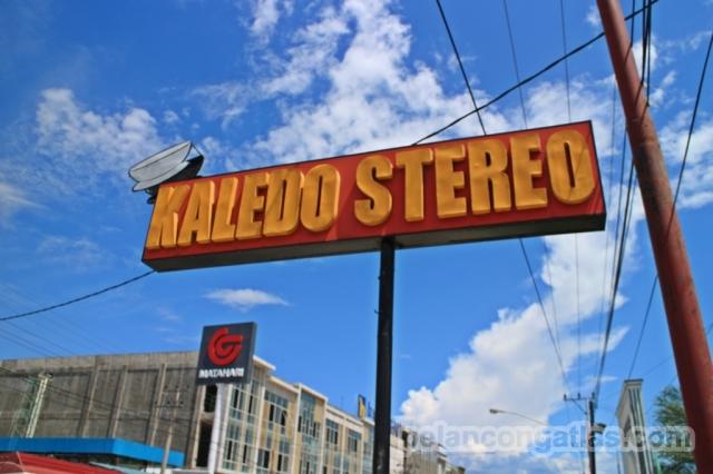 Kaledo Stereo di Jalan Diponegoro, Palu.