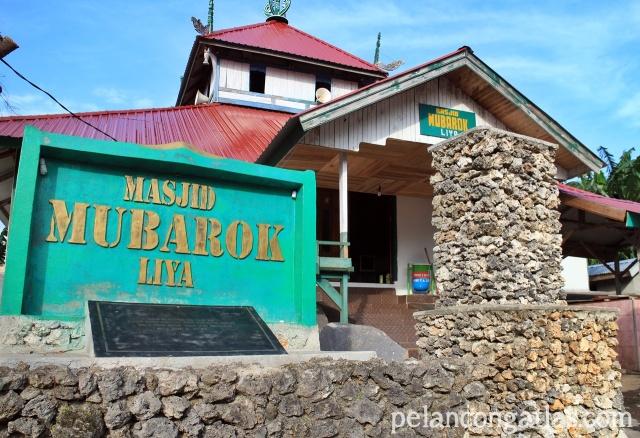 Masjid tertua di Wakatobi nih